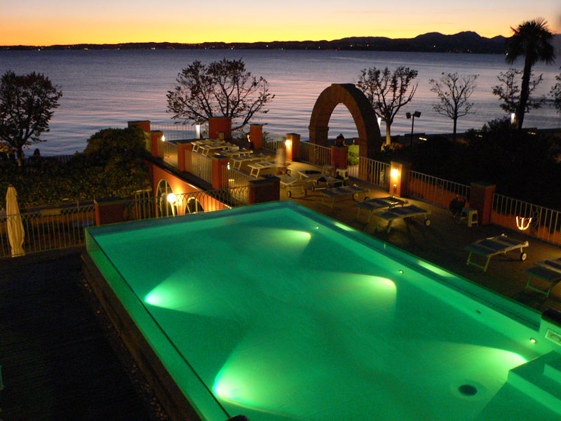 Hotel con piscina bardolino hotel piscina riscaldata vista lago di garda a bardolino - Hotel manerba del garda con piscina ...