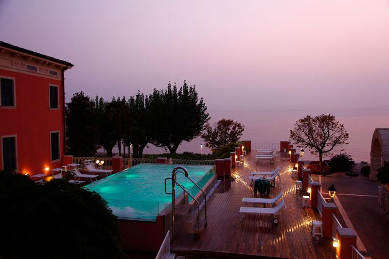 Hotel mit schwimmbad bardolino hotel mit beheizten for Schwimmpool angebote